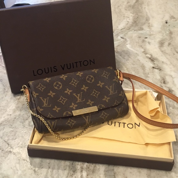 b33da948ff2 Louis Vuitton favorite pm